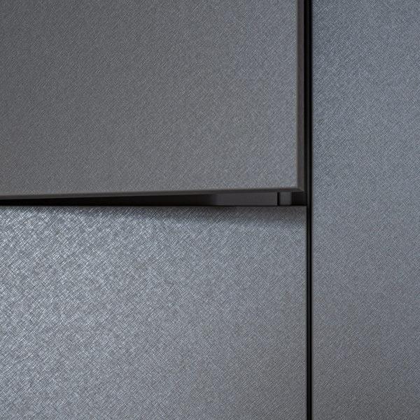 fronty szafy z płyty meblowej Cleaf Idea FB82 Tellurio z efektem metalicznym - szczotkowanego aluminium