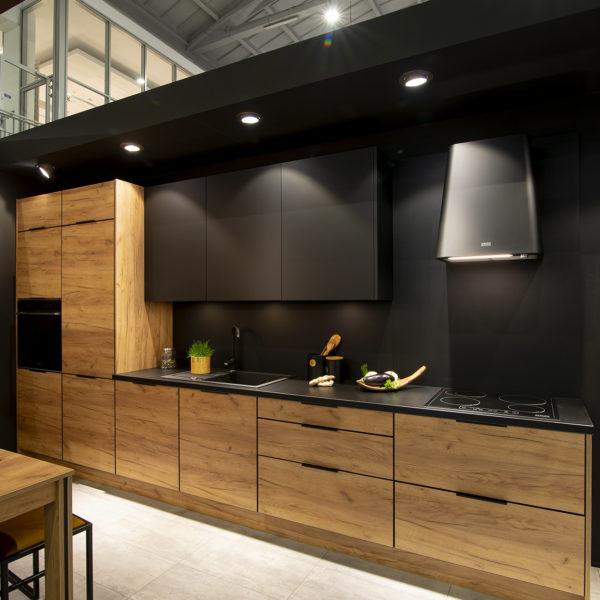 mat i drewno w kuchni - matowe fronty meblowe Velvet w kolorze czarnym 7322