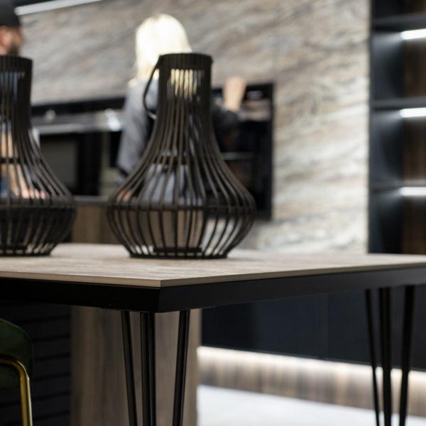 designerski stół z cienkiego blatu kompaktowego Forner - agat OL03