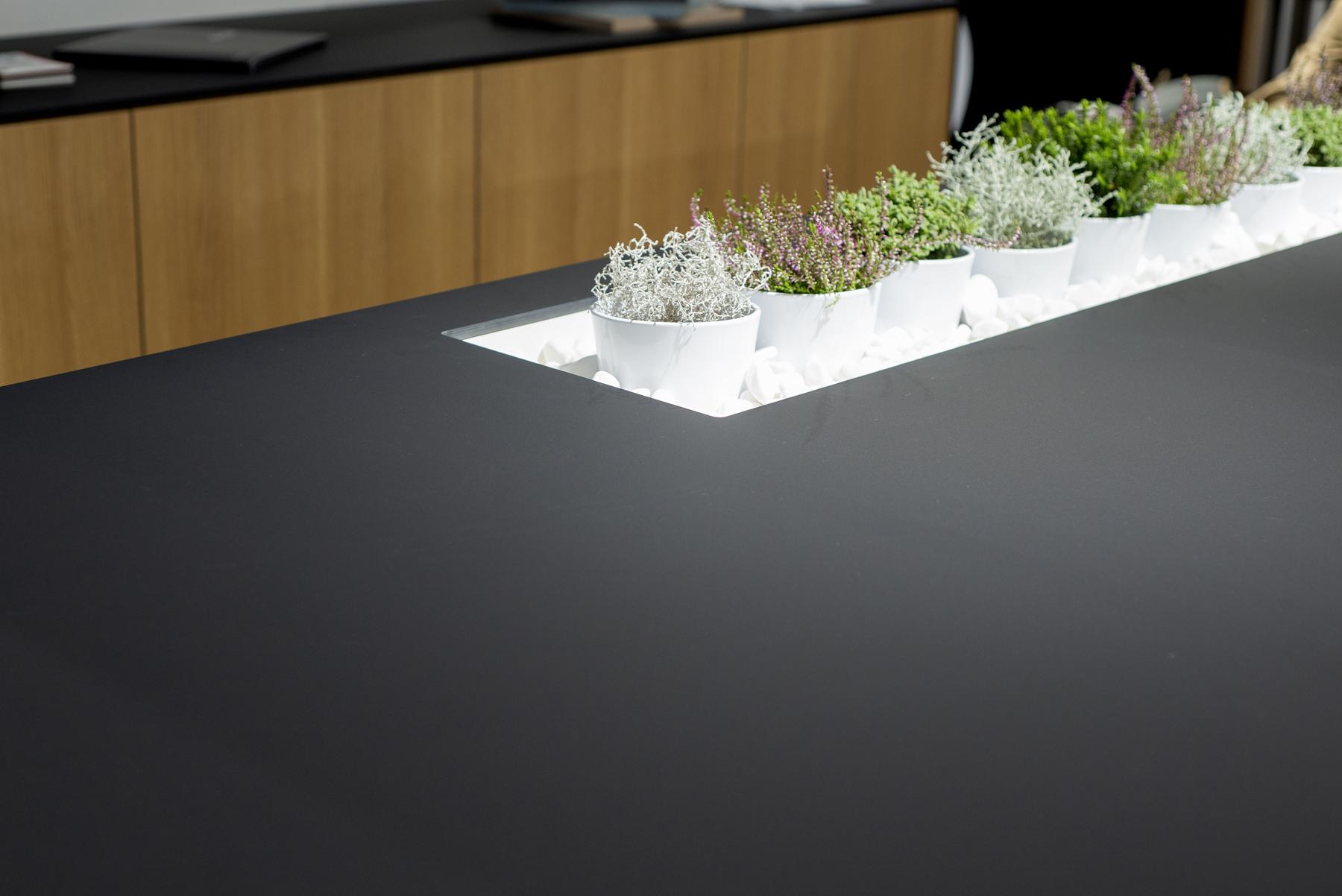 Cienkie blaty kompaktowe - piękna matowa powierzchnia