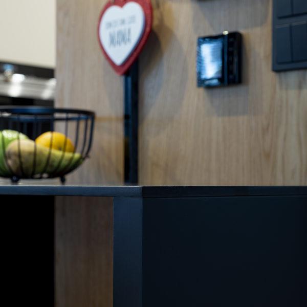 blat kompaktowy forner w kuchni - designerski produkt o zaledwie 10mm grubości