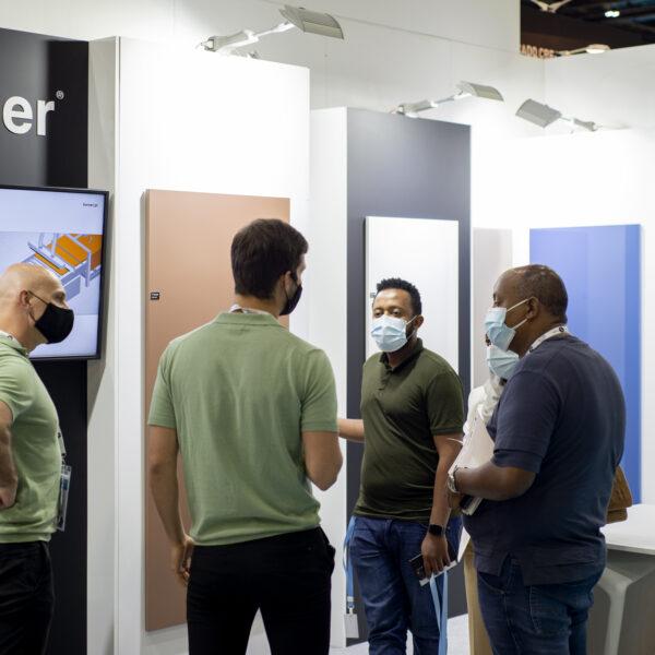 superpołyskowe i supermatowe płyty meblowe Forner na Index Dubai 2021