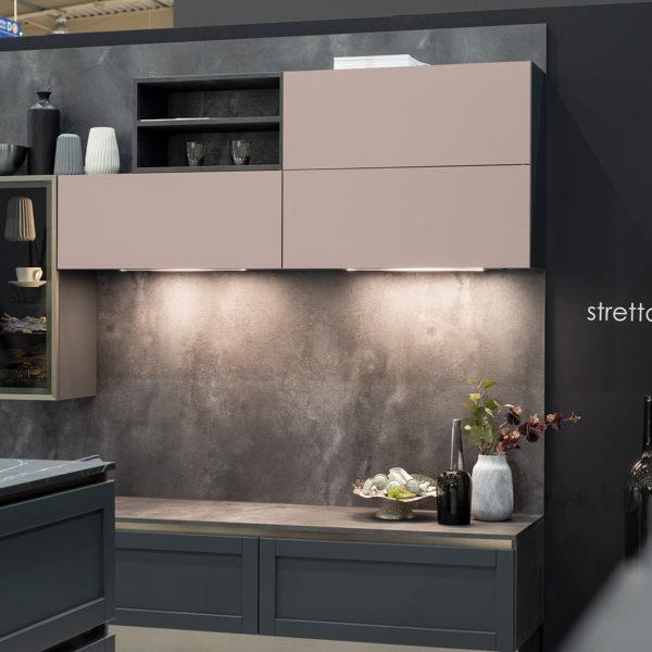 różowe akcenty meblowe w kuchni - fronty meblowe z płyty meblowej Forner ultramat Velvet 5987 Różowy