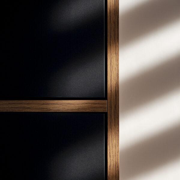 Forner ultramat Velvet 7322 Czarny zastosowany na fronty - mebel biurowy